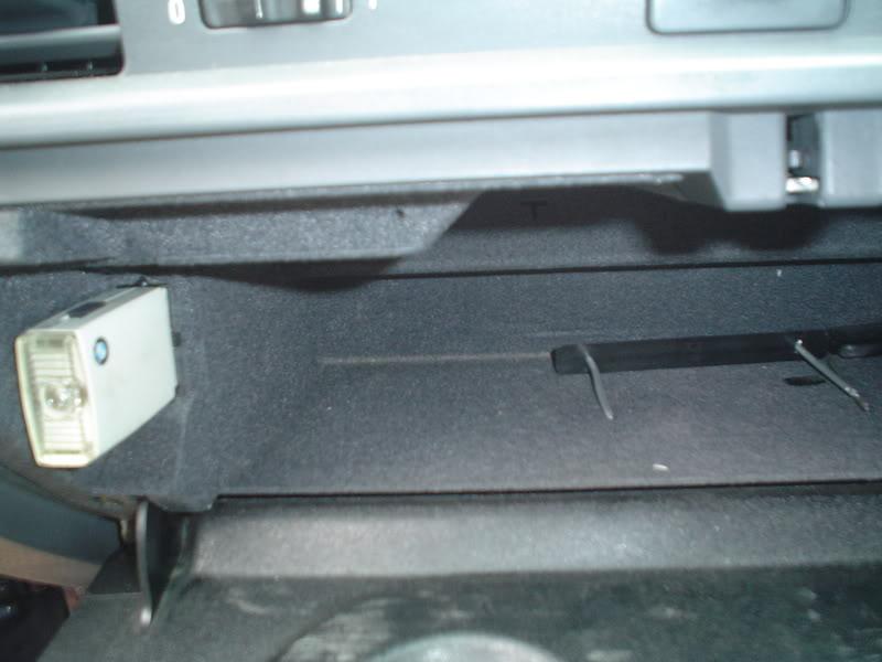 bmw e36 325 tds ann e 1997 prise lectrique dans bo te gants. Black Bedroom Furniture Sets. Home Design Ideas