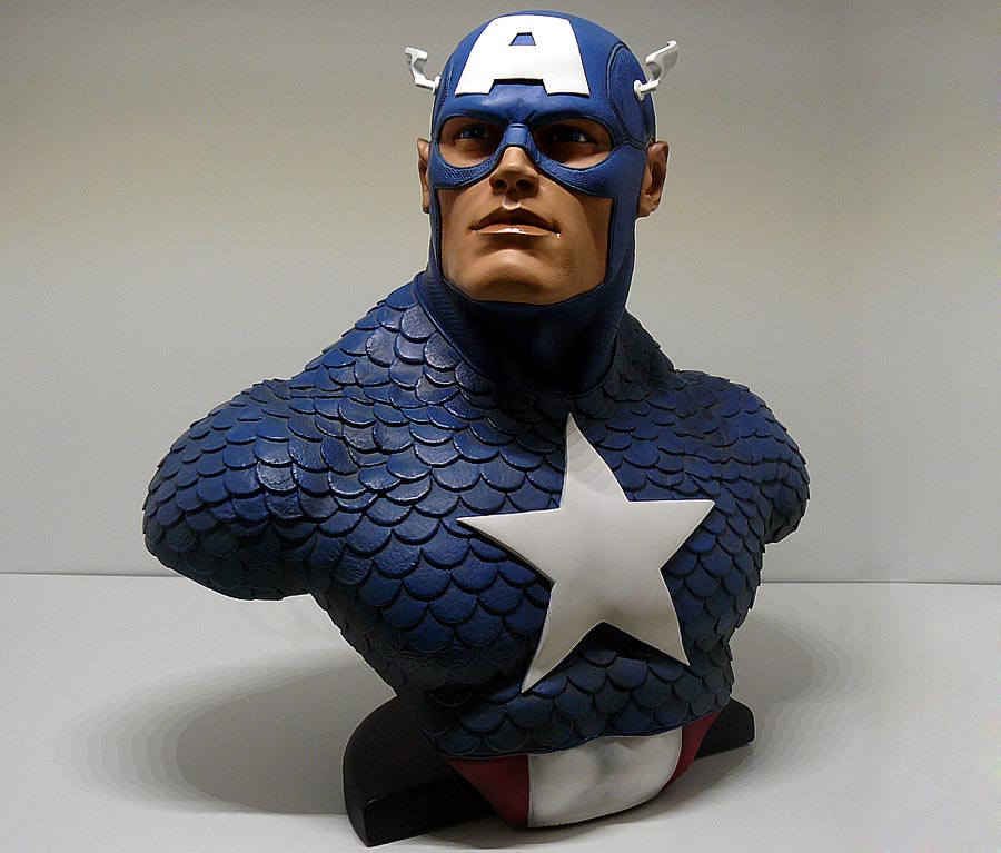 CAPTAIN AMERICA Legendary scale bust P1050003-1597567